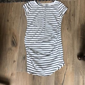 Super cute and comfy maternity dress or long tee.